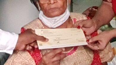 Photo of చిరంజీవి గారు అప్పట్లో 2 లక్షలిచ్చారు.. ఇప్పుడు మళ్లీ లక్ష ఇచ్చి ఆదుకున్నారు: పావలా శ్యామల.
